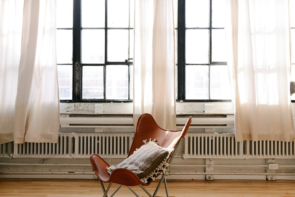 Stol og radiatorer