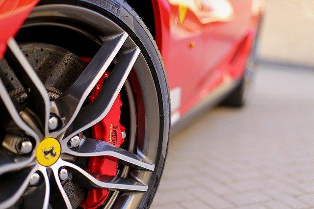 En Ferrari til de danske landeveje
